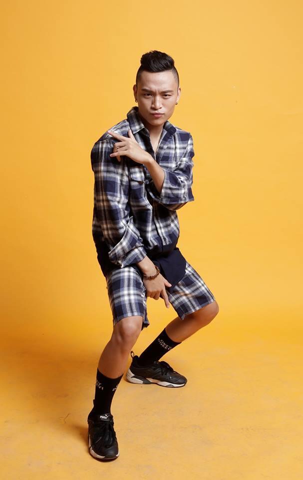 Ngay từ khi còn nhỏ, Việt Thắng đã rất thích ca hát.