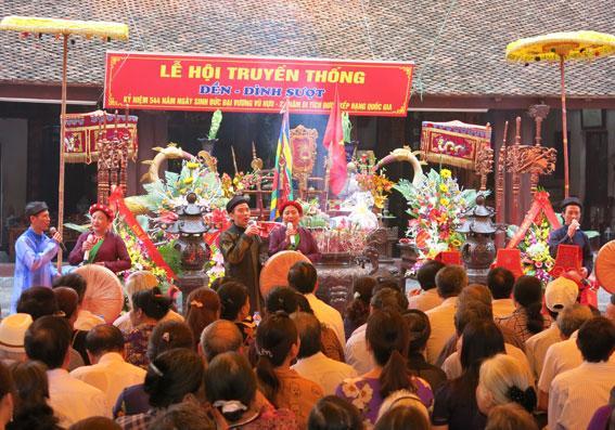 Lễ hội đền Sượt từ xưa đã được coi như là một lễ hội vùng có quy mô lớn. (Ảnh: vhttdlhd.vn)