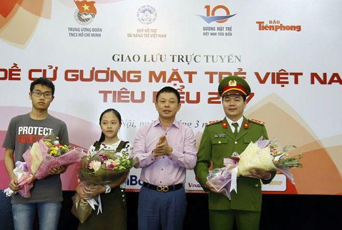 Các khách mời khác tại buổi giao lưu trực tuyến- ảnh Tiền Phong