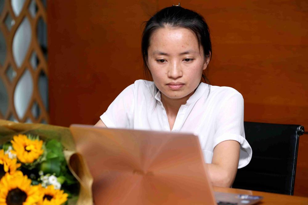Vũ Bích Ngọc giao lưu với độc giả tại tòa soạn báo Thanh Niên. Ảnh: Thanh Niên
