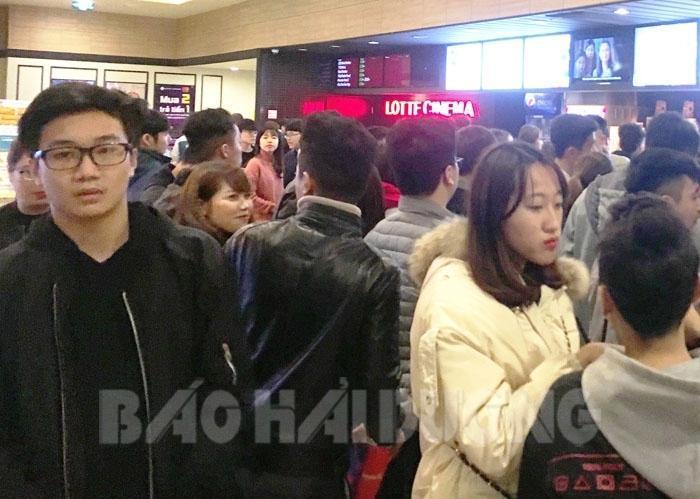 Mỗi ngày rạp Lotte Cinema thu hút khoảng 1.000 lượt khách đến xem phim