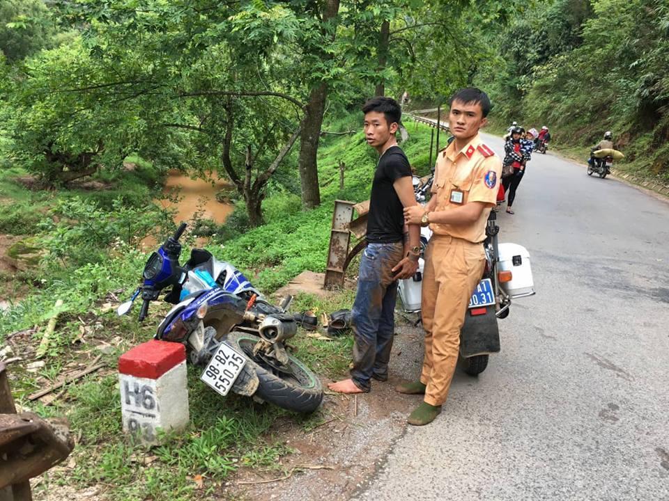 Đôi tượng Thuận bị CSGT bắt giữ sau hơn 1 giờ truy đuổi