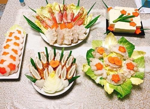 Chồng chị Thúy không ăn các loại nấm, măng; dị ứng ngao, sò, ốc và cá da trơn nên chị mất nhiều thời gian lên thực đơn mỗi ngày.