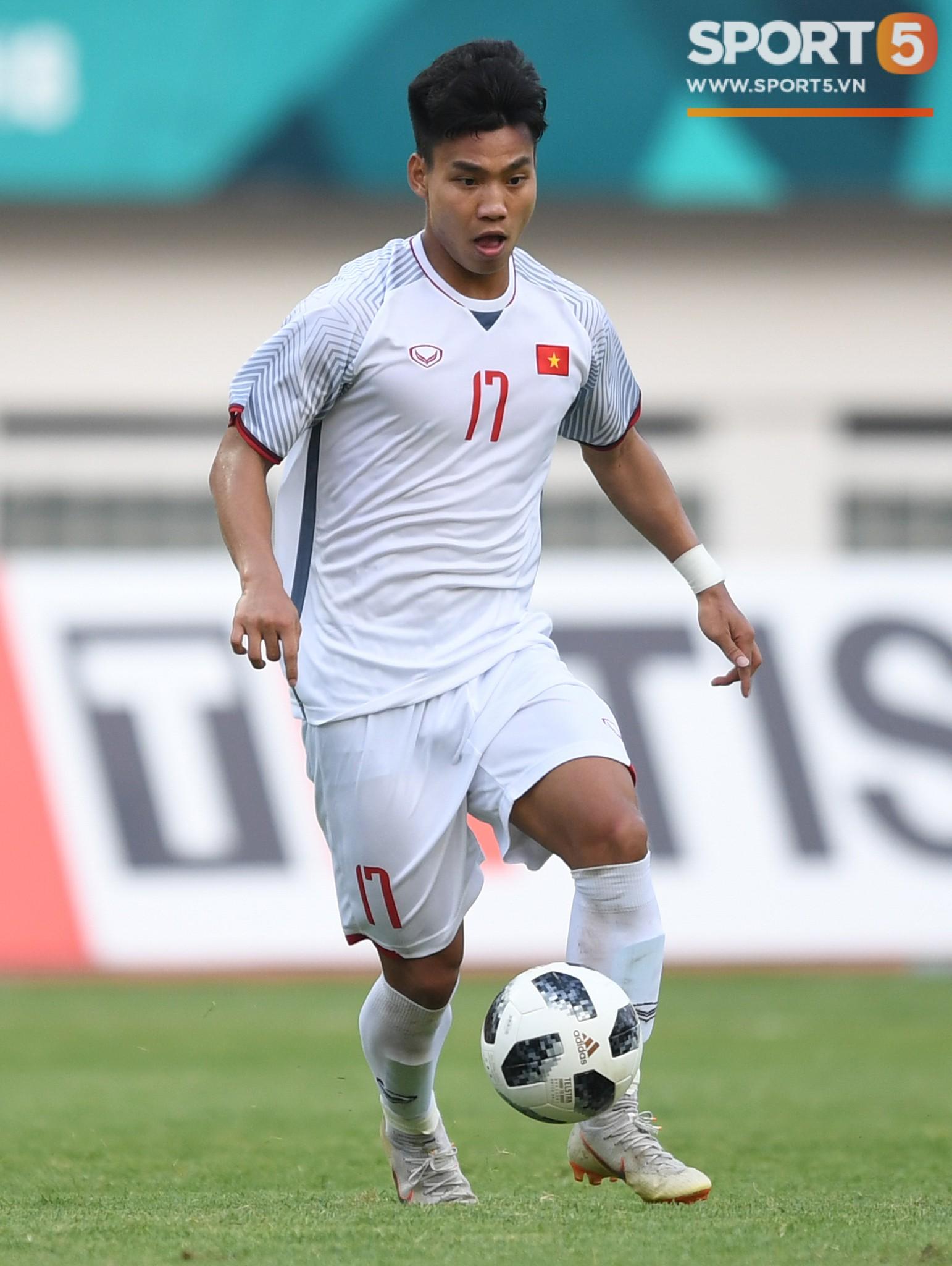 Văn Thanh là một cầu thủ đa năng và rất quan trọng trong chiến thuật của HLV Park Hang-seo. Ảnh: Tiến Tuấn