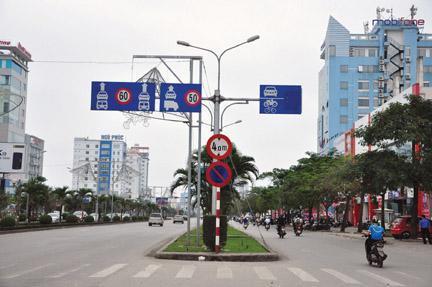 """CAQ Ngô Quyền bắt kẻ mang """"đá"""" đi chơi trên đường Lê Hồng Phong"""