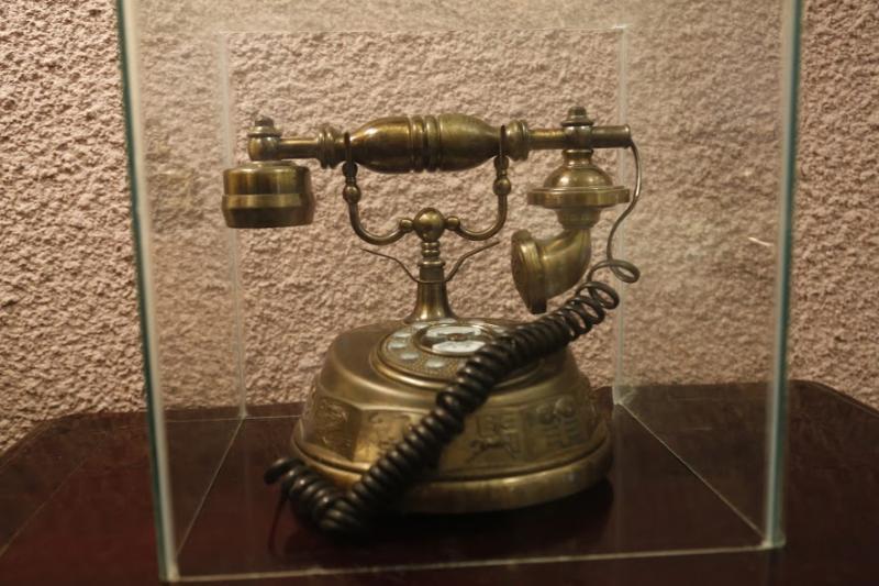 Hiện vật được trưng bày tại Dinh vua Bảo Đại