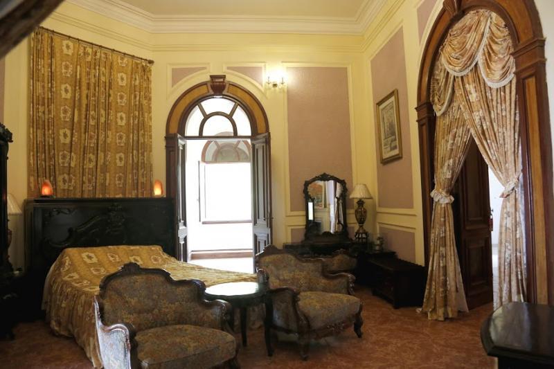 Phòng ngủ của vua Bảo Đại.