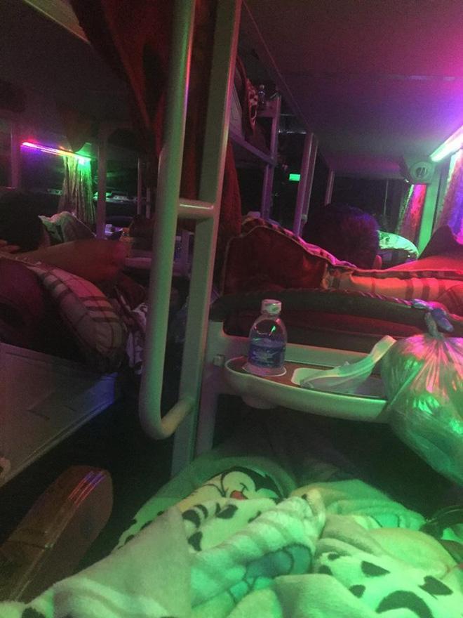Hành khách tố phụ xe khách B.C cố ý nằm cạnh để sàm sỡ và trộm đồ.