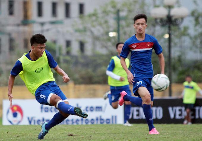 Đức Chinh (9) trong màu áo các đội tuyển trẻ. Ảnh: Phan Tùng