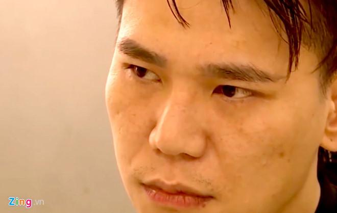 Sau khi bị bắt giữ, ca sĩ Châu Việt Cường phải nằm viện điều trị nhiễm trùng cổ và nội tạng nghi do nuốt quá nhiều tỏi. Ảnh: Mai Hương.