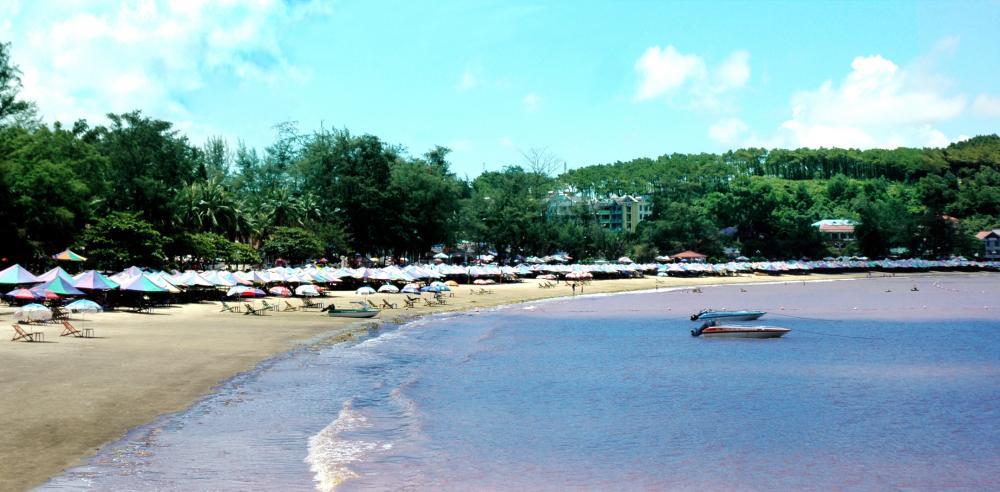 Bãi biển Đồ Sơn nằm ở quận Đồ Sơn, thành phố Hải Phòng. (Ảnh: diemthamquan.com)
