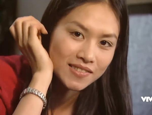 Hà Hương trong vai Nguyệt trong Phía trước là bầu trời.