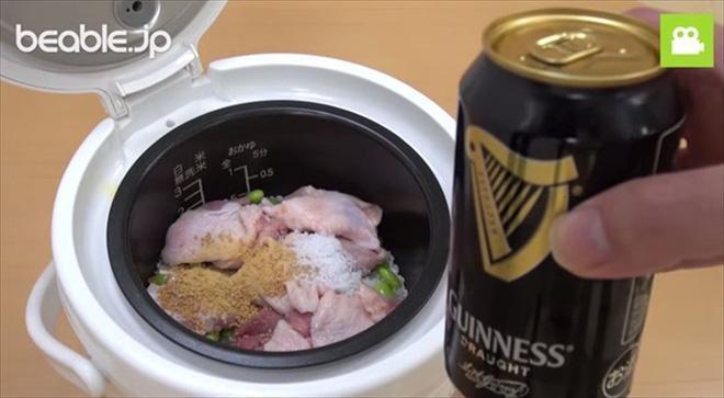 Bạn đã bao giờ nấu cơm với bia? (Ảnh: tabi-labo)
