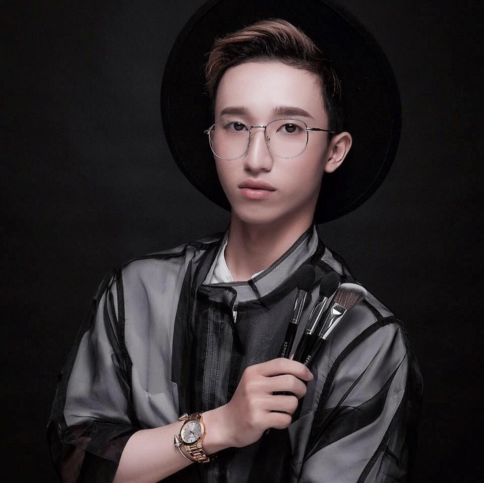 Hot face 20 tuổi kiếm 50 triệu/tháng từ nghề make-up Henry Trần
