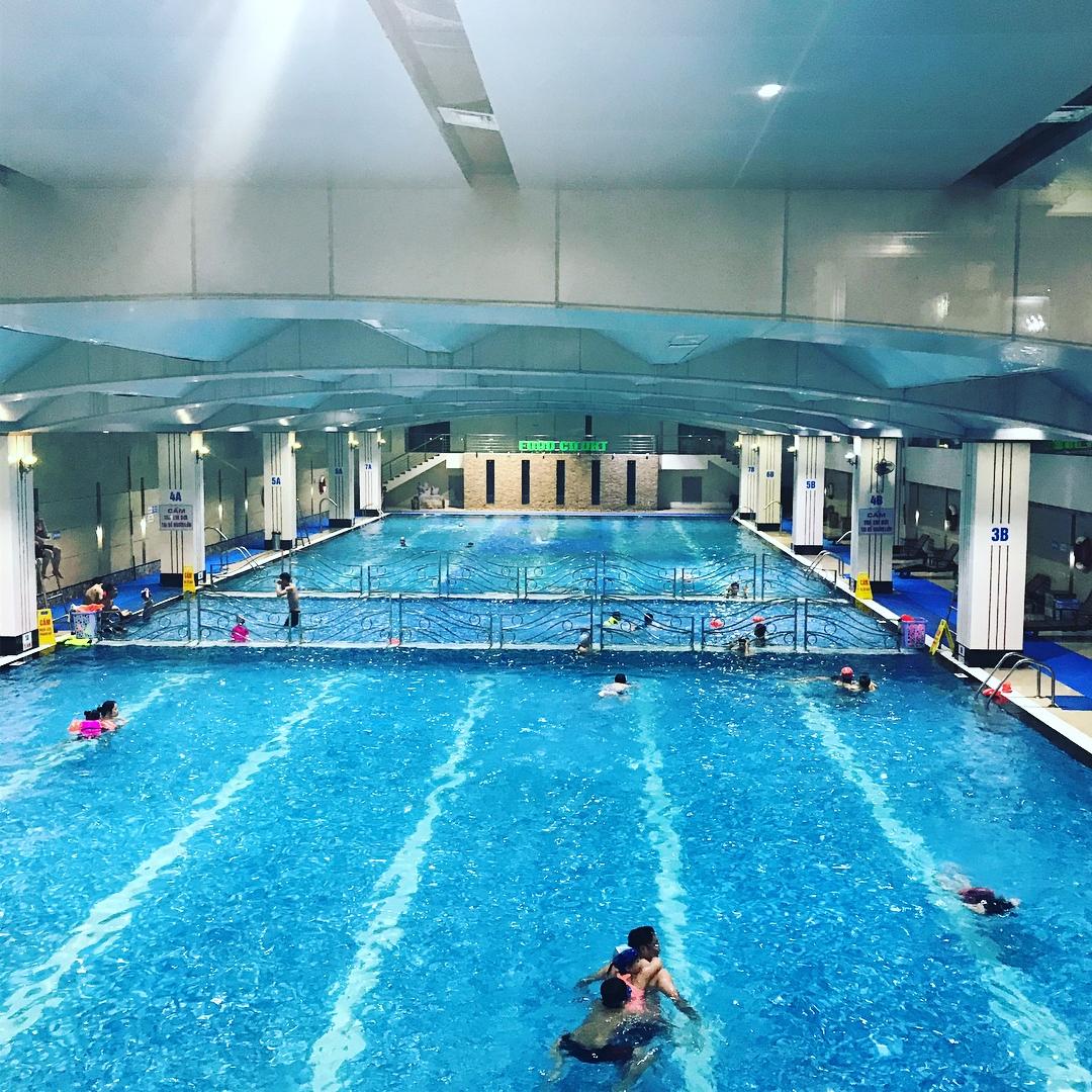 Bể bơi Hapu Swimming xanh ngắt, trong veo và đặc biệt không hề có mùi clo. (Ảnh: markyanagida)