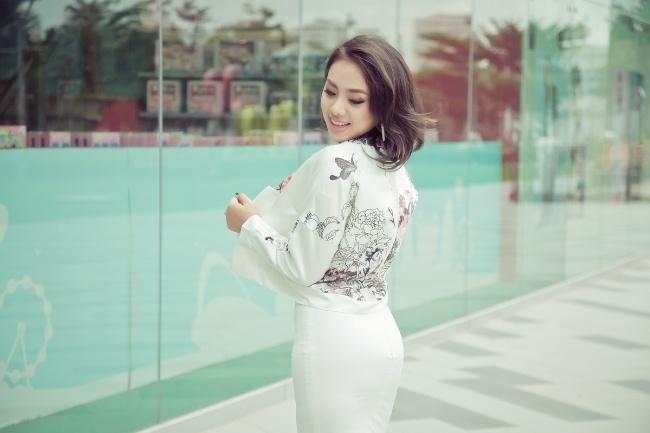 Miko Lan Trinh không đồng tinh với Trang Trần.
