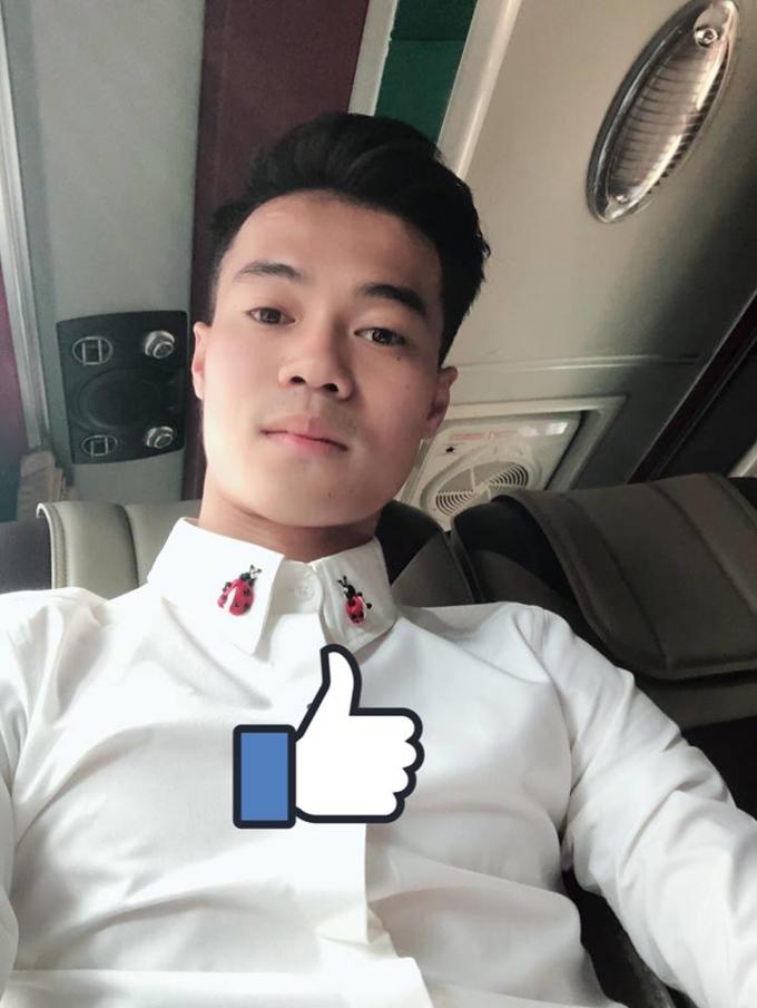 Ngoài mái tóc chất nhất U23 Việt Nam, Văn Toàn sở hữu gu thời trang cực