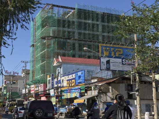 Công trình xây dựng, nơi xảy ra vụ tai nạn lao động. Ảnh: Tuổi Trẻ