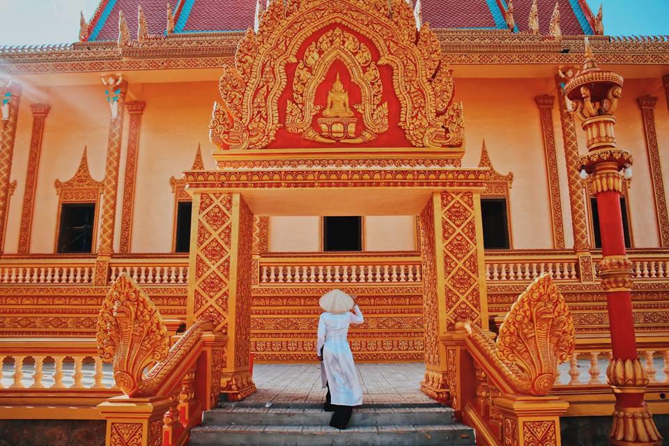 Những góc check-in đậm chất Khmer tại ngôi chùa này.