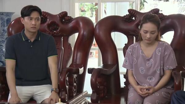 Vũ và Thư thông báo quyết định của cả hai đến bố mẹ