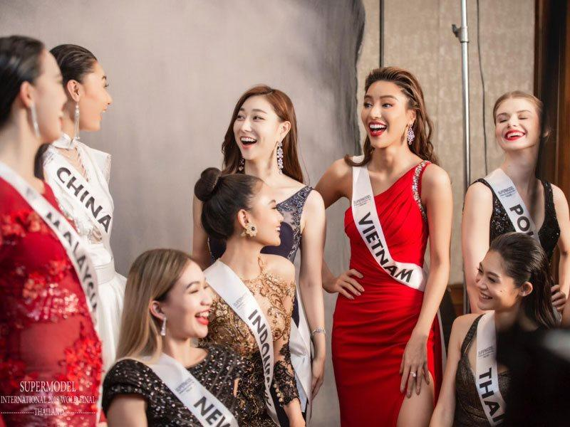 Mới đây, Nguyễn Minh Tuấn là người hỗ trợ hình ảnh cho Siêu mẫu Khả Trang tham dự Siêu mẫu Quốc tế.