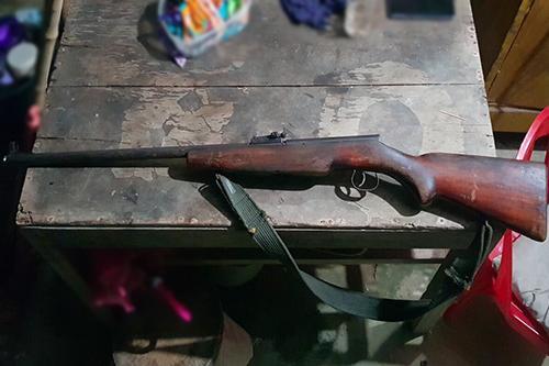 Khẩu súng Hoàng Anh dùng bắn chết đại ca giang hồ Cao Nguyên. Ảnh: Đức Hùng