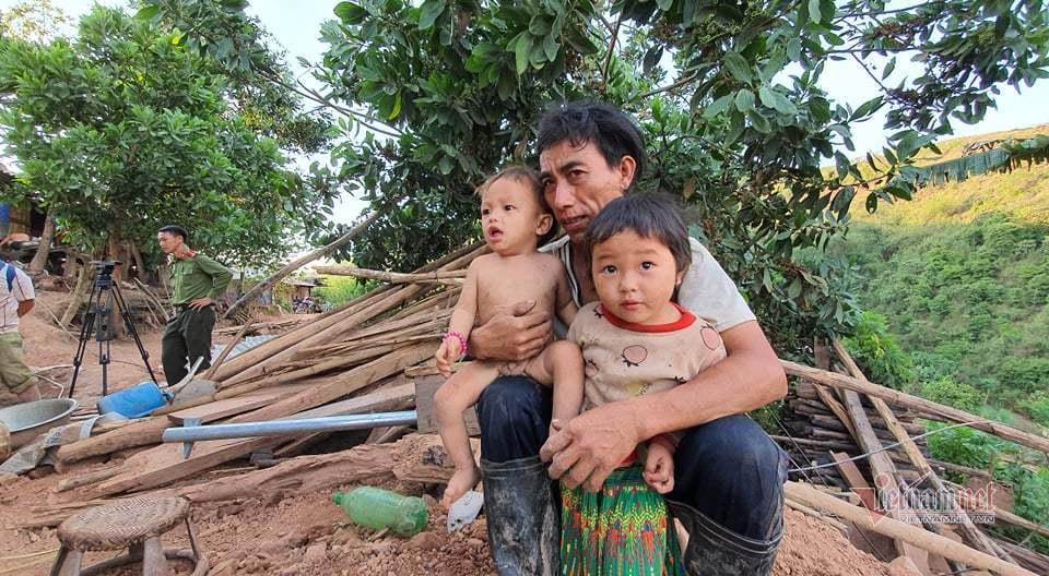 Gia đình anh Vàng A Xá là 1 trong 1.200 hộ nghèo của Mường Nhé được tặng nhà tình nghĩa