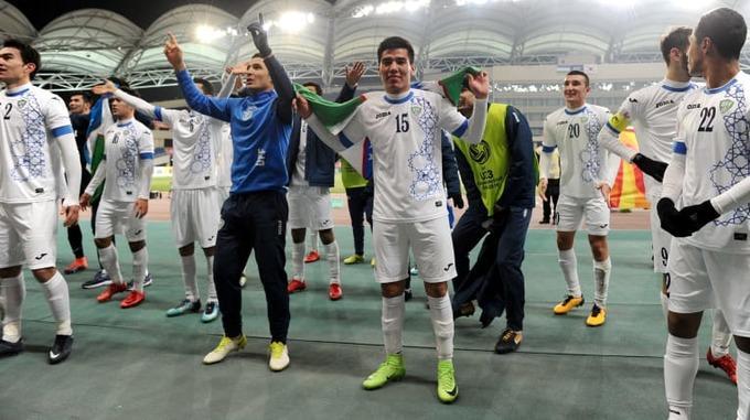 U23 Uzbekistan ăn mừng lấy vé chung kết