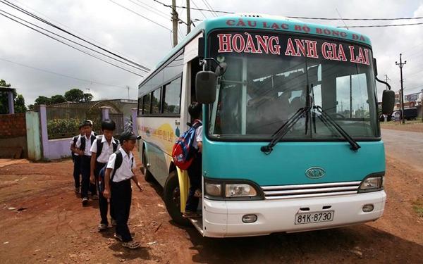 Có năng khiếu bóng đá từ nhỏ nên Xuân Trường dự tuyển và được tham dự, sinh hoạt tại Học viện Hoàng Anh Gia Lai JMG.