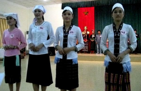 Trang phục truyền thống dân tộc Thổ