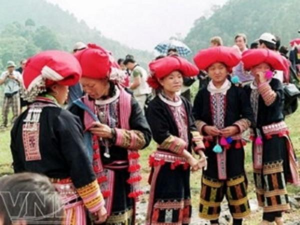 Trang phục dân tộc Dao đỏ