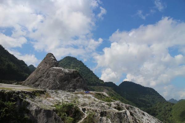 Đỉnh đèo Thung Khe