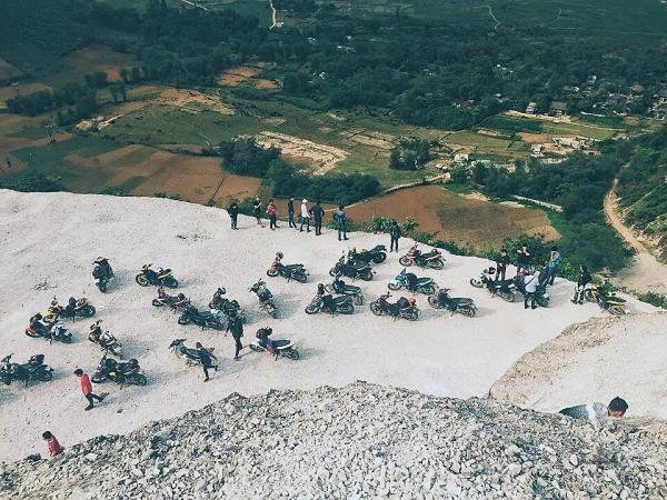 Đèo Thung Khe thu hút được rất nhiều dân phượt đến đây để trải nghiệm và khám phá. (Nguồn: linhkhue_)