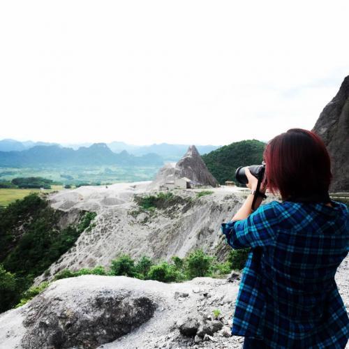 Đứng từ trên đỉnh đèo có thể nhìn thấy toàn cảnh Hòa Bình từ trên cao. (Nguồn: Instagram)