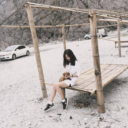 Giới trẻ liên tục tìm đến ngọn đồi tuyết trắng độc đáo này. (Nguồn: Instagram)