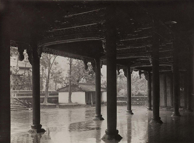 Bên trong Đại Cung Môn, cửa chính vào Tử Cấm Thành Huế, nằm sau điện Thái Hòa, trước điện Cần Chánh. Ảnh: Paris.fr.