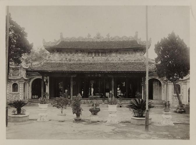 Chùa Thanh Quan, còn gọi là chùa Chiến Thắng ở Vinh, Nghệ An. Ảnh: Paris.fr.