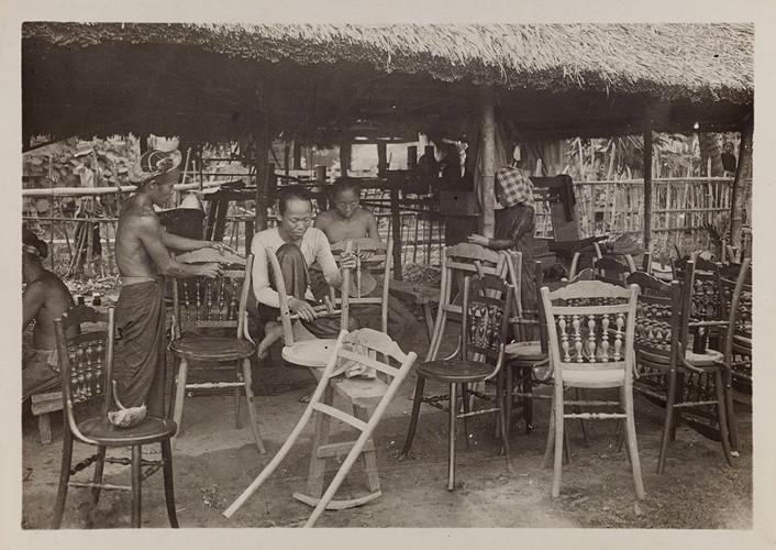 Xưởng mộc ở thị xã Lái Thiêu, tỉnh Thủ Dầu Một (nay là tỉnh Bình Dương). Ảnh: Paris.fr.