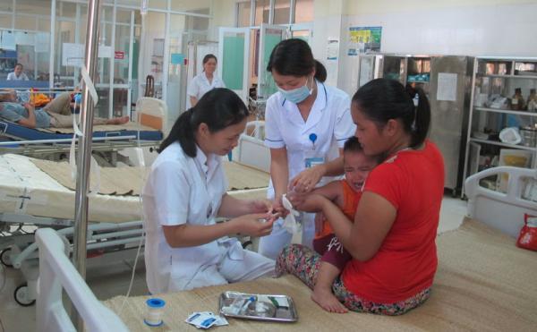 Các cơ sở y tế trong huyện được đầu tư nâng cấp trang thiết bị, đáp ứng nhu cầu chăm sóc sức khỏe cho nhân dân.
