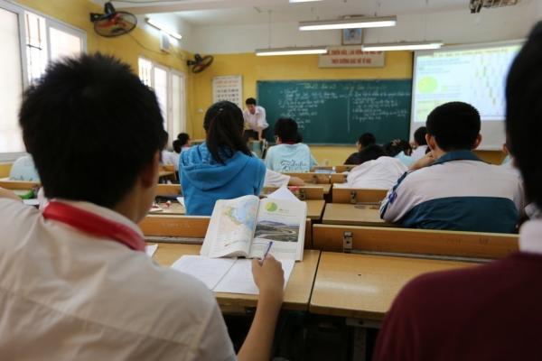 Cần tinh gọn bộ máy quản lý giáo dục để lấy tiền tăng lương cho giáo viên. Ảnh: Hải Nguyễn.