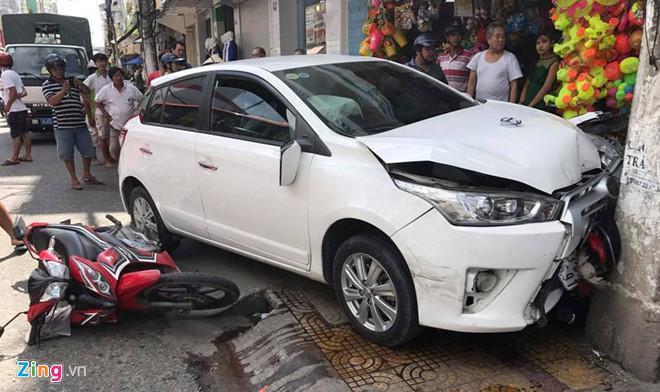 Trong dịp nghỉ Tết Nguyên đán 2018, cả nước xảy ra gần 300 vụ tai nạn. Ảnh: Việt Tường.