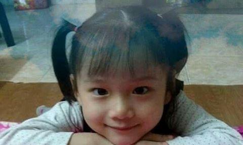 Bé H.A - cô bé thiên thần đã hiến tặng giác mạc của mình. Ảnh: FB của Bác sỹ Phạm Thị Việt Hương (Huong Pham)