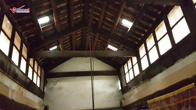 Ngôi nhà mang đặc trưng củakiến trúcHà Nội xưa, theo dạng hình ống và có nhiều lớp nhà, giữa các lớp nhà có khoảng không gian để lấy ánh sáng.