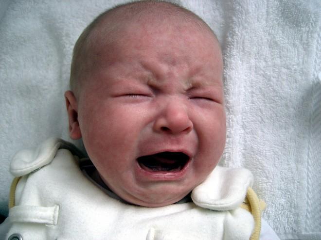 Mọi trẻ sơ sinh, đặc biệt những bé mới chào đời, thường khóc rất nhiều bởi đó là phương tiện giao tiếp duy nhất với người lớn để truyền tải nhu cầu của trẻ (Ảnh minh họa).