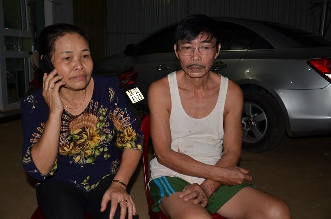 Ông Dương bà Tâm đang gọi điện thoại cho con gái đầu thai Bùi Thị Thu