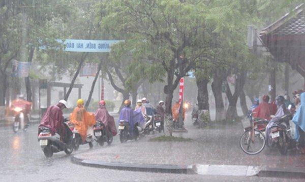 Hà Nội sẽ có mưa nhiều về chiều tối và đêm, chấm dứt nắng nóng