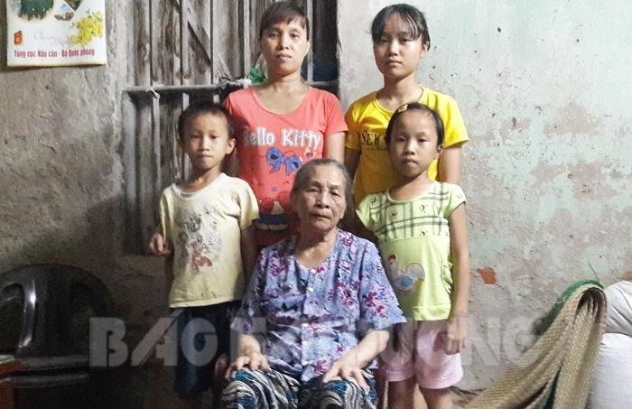 Dù đã làm đủ thứ nghề nhưng cuộc sống của gia đình chị Dung vẫn rất khó khăn