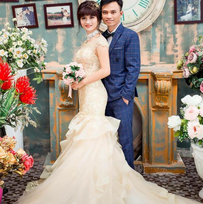 Anh Lợi và vợ kết hôn năm 2016, một năm sau họ sinh hạ con trai đầu lòng.