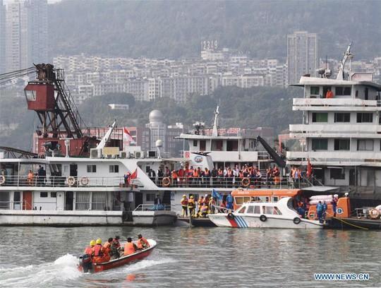 Công tác cứu hộ được triển khai. Ảnh: News.cn