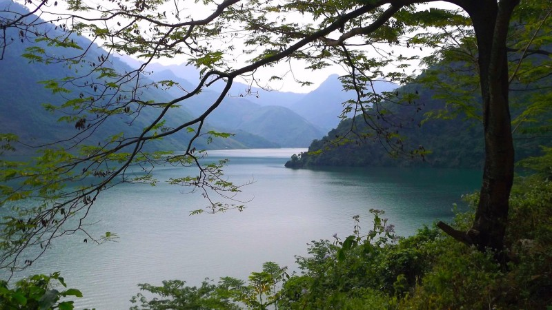 Sông Đà nơi giao hòa giữa thiên nhiên và con người.